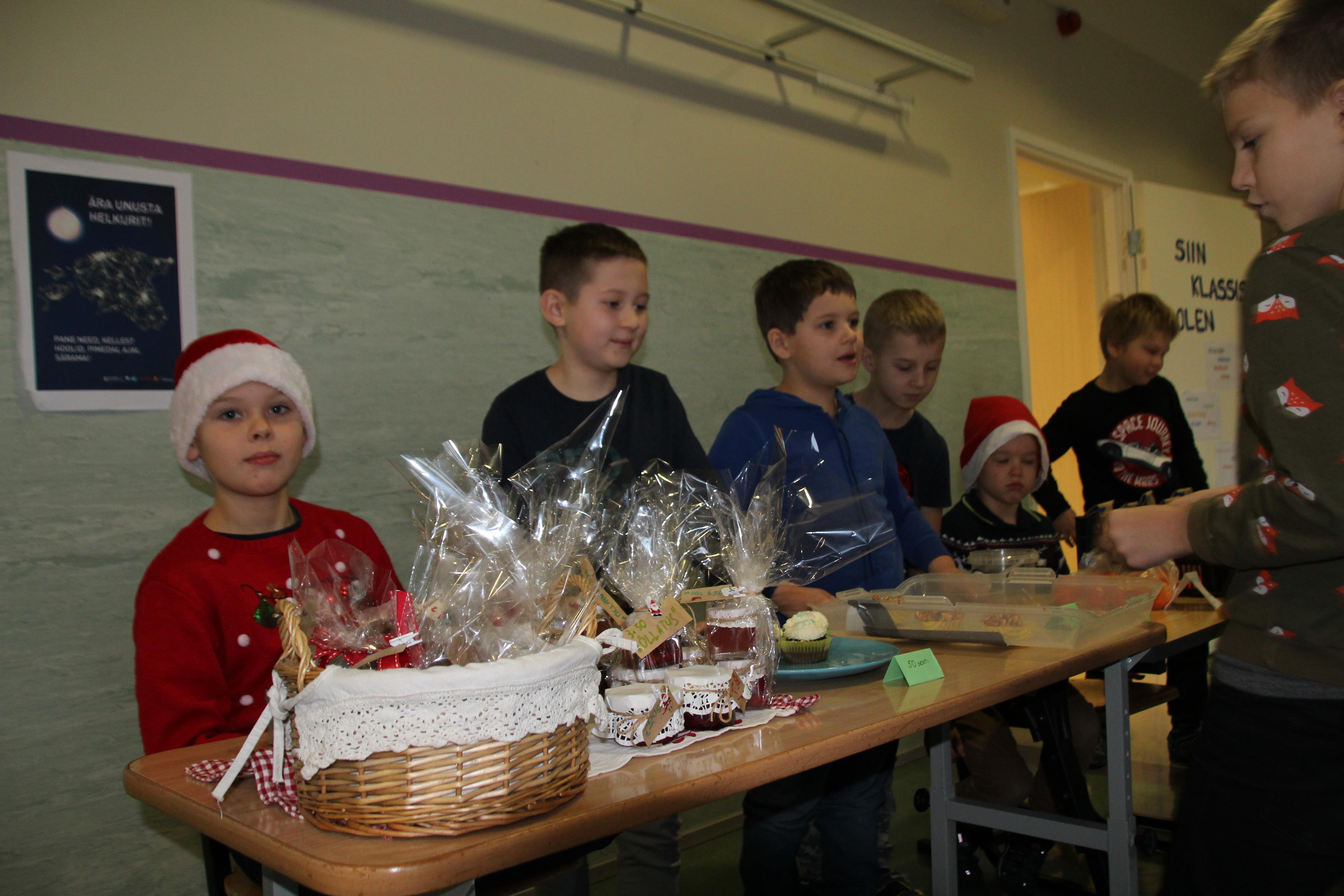 1. klassi õpilaste müügilett jõululaadal