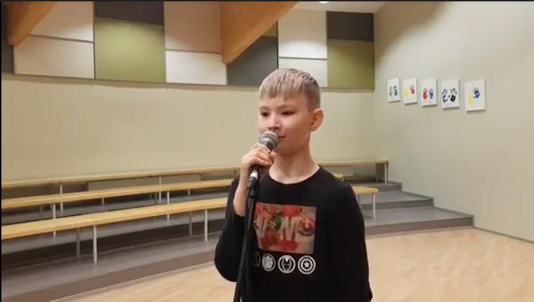 Uku Laansalu üle-eestilisel poiste võistulaulmisel